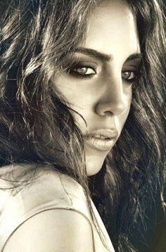 Turkish Actress - Öykü Karayel