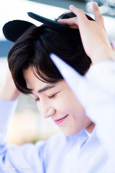 This shy boy😁 Joon Hyuk, Korea Boy, K Idol, Beautiful Children, Korean Actors, Kdrama, Instagram, Adorable Kittens, Happy Heart