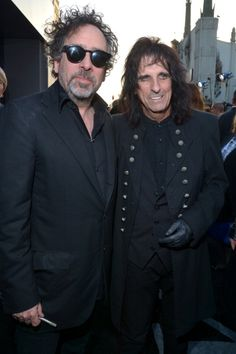 Tim Burton & Alice Cooper - Dark Shadows LA premiere, May 7th 2012  FEED MY FRANKENWEENIE!