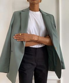 Street Style Outfits, Mode Outfits, Office Outfits, Fall Outfits, Fashion Outfits, Womens Fashion, Green Outfits, Travel Outfits, Office Attire