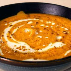 Καροτόσουπα βελουτέ με πορτοκάλι και κάρι Veggie Soup, Lentil Soup, Lentils, Holi, Pancakes, Recipies, Veggies, Breakfast, Recipes