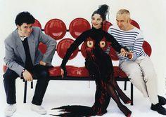 """093 """"Pedro con Andrea Caracortada (Victoria Abril) y Jean Paul Gaultier en el set"""" / Kika (1993) / #Almodovar"""