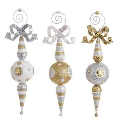 RAZ Gold Silver White Finial Christmas Ornament Set of 3 3 Assorted styles Set includes one of each style Gold/Silver/White Made of Plastic Measures RAZ Exclusive 36 Black Christmas Decorations, Christmas Ornament Sets, Christmas Baubles, Holiday Ornaments, Halloween Decorations, Christmas Colors, Christmas Ideas, Christmas Tree Trimming, Glitter Ornaments