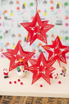 Hanging star from Kirigami by Ho Huu An www.searchpress.com/book/9781844489947/kirigami