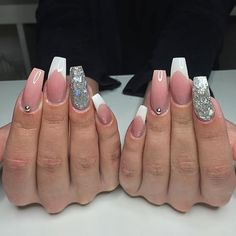 Classic french with a twist 😍 #glitternails #gel #girly #gelmani #glitter #gelcolor #fresh #frenchmanicure #thenaillife #theglamourhouse #pink #pinknails #longnails #makeupslaves #melformakeup #nude #nudenails #nails #naglar #nailie #nailart #nailgoals #nailinspo #nails2inspire #shinynails #shape