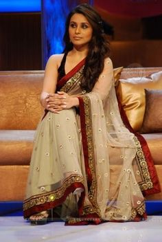 Rani in Mind-Blowing Off White Saree Item code : SVA3004
