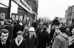 Outside Stamford Bridge 1965 FA Cup round v Spurs Chelsea Fans, Chelsea Football, Chris Mears, Football Images, Stamford Bridge, Games Today, Fa Cup, Working Class, Love Affair
