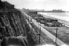 Looking south along Santa Monica beach toward the pier (1929)