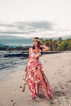 The Great Escape: Four Seasons, Hualalai, Beach Outfits, Obsessed with the two piece summer sets this season! Such perfect outfit to take on vacation with you. Wearing this floral set - cropped ruffle top an. Hawaii Outfits, Honeymoon Outfits, Summer Outfits, Cute Outfits, Autumn Outfits, Beach Outfits, Stylish Outfits, Summer Dresses, Summer Set