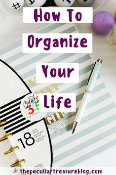 Organize Your Life (For the Super Disorganized Person) Linen Closet Organization, Office Organization, Organizing Life, Household Organization, Work Cubicle, Diy Storage, Storage Ideas, Organize Your Life, Staying Organized