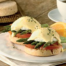 Asparagus Eggs Benedict – perfect for breakfast, equally good as a substantial lunch or light supper.