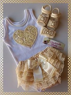 media content and analytics Baby Outfits, Baby Tutu Dresses, Knit Baby Dress, Kids Outfits, Knitting Blogs, Baby Knitting, Crochet Baby, Baby Bling, Diy Bebe