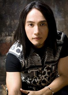 Arnel Pineda!! Lead singer of my favorite band ever!! Journey!! I love him!!! <3