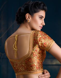 back blouse image Brocade Blouse Designs, Simple Blouse Designs, Saree Blouse Neck Designs, Stylish Blouse Design, Designer Blouse Patterns, Bridal Blouse Designs, Gold Blouse, The Ordinary, Boat Neck