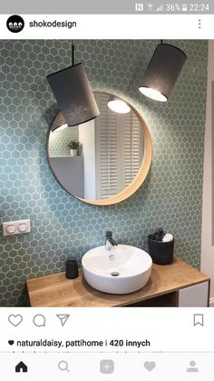 Current Bathroom trends : What to consider in your own home Bathroom Inspiration, Bathtub Tile, Bathroom Interior, Bathroom Makeover, Small Bathroom, Bathroom Red, Bathroom Decor, Round Mirror Bathroom, Bathroom Design Small