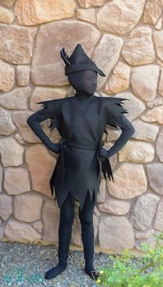 Last Minute DIY Halloween Costumes - Quick Ideas for Adults Kids and Teens - Peter Pan Shadow Costume Tutorial All Black Costumes, All Black Halloween Costume, Original Halloween Costumes, Homemade Halloween Costumes, Halloween Costumes For Teens, Halloween Diy, Family Halloween, Happy Halloween, Teen Boy Costumes