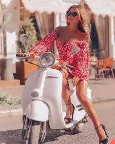 Vespa Px 125, Vespa Lx, Piaggio Vespa, Lambretta Scooter, Scooter Motorcycle, Motorbike Girl, Vespa Girl, Scooter Girl, Vespa Scooters