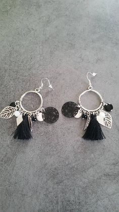 Black Earrings, Diy Earrings, Diy Jewelry, Jewelry Design, Jewelry Making, Creole Argent, Bijoux Diy, Button Crafts, Jewelry Collection