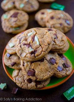 Chewy Mocha Mint Chocolate Chunk Cookies, plus the secrets to chewy and soft cookies Chocolate Swirl, Best Chocolate Chip Cookie, Mint Chocolate Chips, Chocolate Chip Cheesecake Brownies, Mint Cookies, Sallys Baking Addiction, Peppermint Mocha, Cake With Cream Cheese, Just Desserts