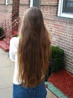 Regular old everyday pic of my uncombed hair, from a few years ago. #longhair