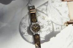 Đâu là những đặc điểm đặc trưng nổi bật của chiếc đồng hồ Louis Vuitton. Để tìm hiểu thêm những thông tin chi tiết bạn hãy cùng khám phá qua bài viết dưới đây nhé! Signature Look, Tambour, Tag Heuer, Monogram Canvas, Breitling, Stainless Steel Case, Design Elements, Louis Vuitton, Buy And Sell