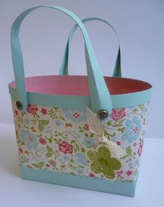 ** Learn To Make A Large Paper Gift Bag @jennyhayward
