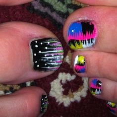 Crazy nail designs- this would look pretty on ur nails as well Get Nails, Love Nails, How To Do Nails, Pretty Nails, Hair And Nails, Crazy Nail Designs, Toe Nail Designs, Nail Polish Designs, Crazy Nails
