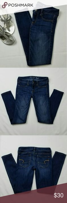 """🆕 AMERICAN EAGLE Dark Blue Jean Stretch Jeggings Dark blue, skinny jeans, stretch """"jeggings"""" from American Eagle Outfitters, AE. Front zipper and button closure. Like new condition.    Size 6 Regular.   Measures approximately: Waist - 15"""" flat across  Inseam - 30"""" L Front rise - 7""""  Leg opening - 5"""" flat across American Eagle Outfitters Jeans Skinny"""