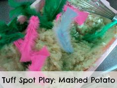 Sensory bin: Mashed potato! Its squidgy, its sticky, its mouldable, its edible- what's not to love?!?