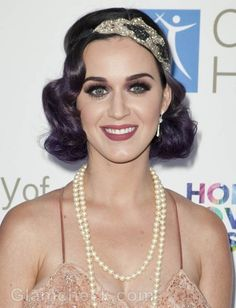 Katy Perry 20s vintage look