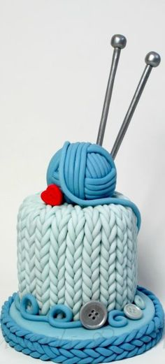 Knit Lovers' Cake @chelseyshirrell this should be your next birthday cake!