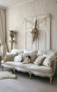 4 Astounding Useful Tips: Shabby Chic Mirror Dreams shabby chic pattern backgrounds.Shabby Chic Interior Inspiration shabby chic furniture how to make. Shabby Chic Mode, Shabby Chic Vintage, Estilo Shabby Chic, Shabby Chic Farmhouse, Shabby Chic Interiors, Shabby Chic Bedrooms, Shabby Chic Kitchen, Shabby Chic Style, Shabby Chic Furniture