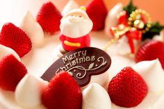 Праздники Новый год ( Рождество ) Клубника Сладости Торты Дед Мороз Еда