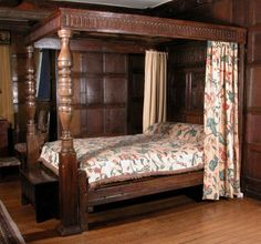 Fourposter bed, 1603-25, reputedly slept in by General Ireton in 1642 on the night before the Battle of Edgehill