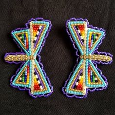 *sold* These pretties are about long, fingernail post back Bead Embroidery Patterns, Beaded Jewelry Patterns, Beaded Embroidery, Beading Patterns, Powwow Beadwork, Native Beadwork, Native American Beadwork, Beaded Earrings Native, Seed Bead Earrings