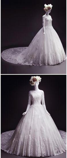 Beach Wedding Dress,Ball Gown Wedding Dress,Off-the-shoulder Bridal Dress,Court Train White Lace Appliques Lace-up Wedding Dresses
