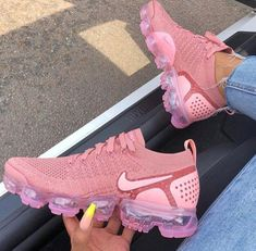 @Truubeautys ✨❕ Air Max Sneakers, Cute Sneakers, Shoes Sneakers, Sneakers Fashion, Ladies Sneakers, Sneakers N Stuff, Black Sneakers, Ladies Shoes, Pink Heels