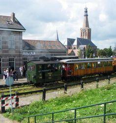 Afbeelding van http://regiovanhollandsebodem.nl/assets/image-cache/files/belevenissen/stoomtram%204.385bc121.jpg.