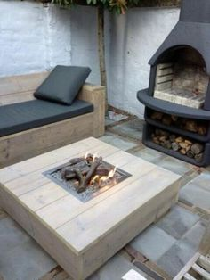 Discover recipes, home ideas, style inspiration and other ideas to try. Simple Furniture, Garden Furniture, Scaffolding Wood, Summer Deco, Cottage Porch, Garden Steps, Garden Deco, Fire Pit Table, Outside Living