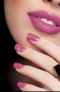 19 Easy and Beautiful Nail Art Designs 2018 just for you trendy nail designs attracted the craze of most women and girls. Nail Art Designs offers a multitude of v … Nail Styles Source by Beautiful Lips, Beautiful Nail Art, Acrylic Nails, Gel Nails, Jamberry Nails, Mauve Nails, Mauve Lipstick, Nagel Hacks, Nail Polish