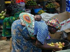 Babywearing in Africa.