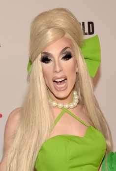 Alaska Thunderfuck 5000 attends RuPaul's Drag Race Reunion/Finale, Courtesy Logo / WOW, at Orpheum Theatre on May 2015 in Los Angeles, California. Alaska Drag Queen, Drag Race Season 5, Alaska Thunderfuck, Drag Queen Makeup, Adore Delano, Rupaul Drag, Drag Queens, Facon, Covergirl