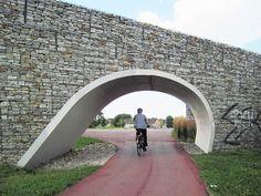 Gabion arch