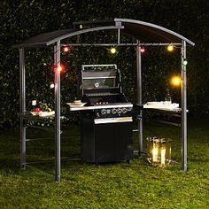 Schützender Pavillon für ungetrübtes Grillvergnügen bei jedem Wetter