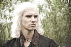 Harry Lloyd (Viserys Targaryen) è un discendente di Charles Dickens.