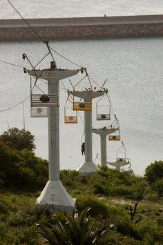 Sky lifts.Para subir al Cerro San Antonio,  Piriapolis, Uruguay.
