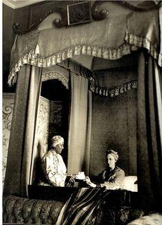 """""""Tweedland"""" The Gentlemen's club: EDITH SITWELL """"The Queen of eccentrics"""""""