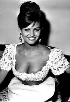 Claudia Cardinale, Vintage Hollywood, Hollywood Glamour, Classic Hollywood, Classic Actresses, Beautiful Actresses, Actors & Actresses, Italian Women, Italian Beauty