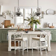 AMAZING! LOVE LOVE THIS! CHIC COASTAL LIVING: Williams Sonoma Spring + White Kitchens