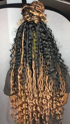 Beauty 💚💚Half&hAlf perimeter done by me ‼️📍 Faux Locs Hairstyles, Crochet Braids Hairstyles, African Braids Hairstyles, My Hairstyle, Girl Hairstyles, Hair Updo, Wedding Hairstyles, Curly Hair Styles, Natural Hair Styles
